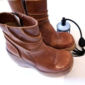 Vintage ALDO brown leather boots